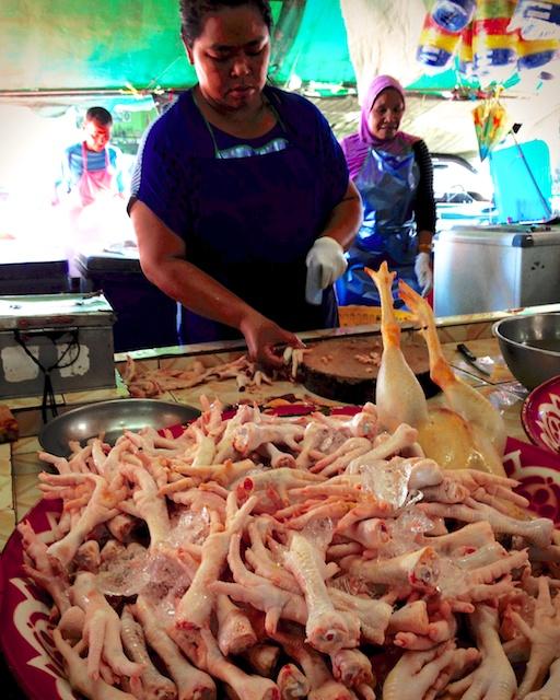 Travel blog chicken feet and strange smells mette for Giant chilli thai