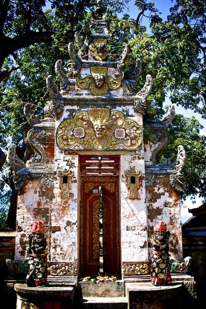 Tempel på Lembongan