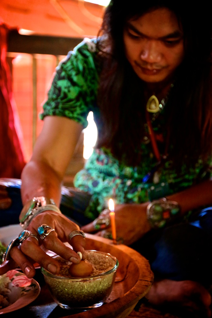 Shaman i Nordthailand 6