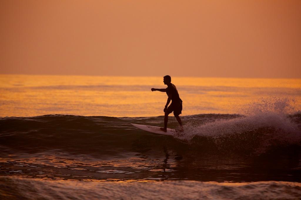 Surfing ved Santa Teresa 10