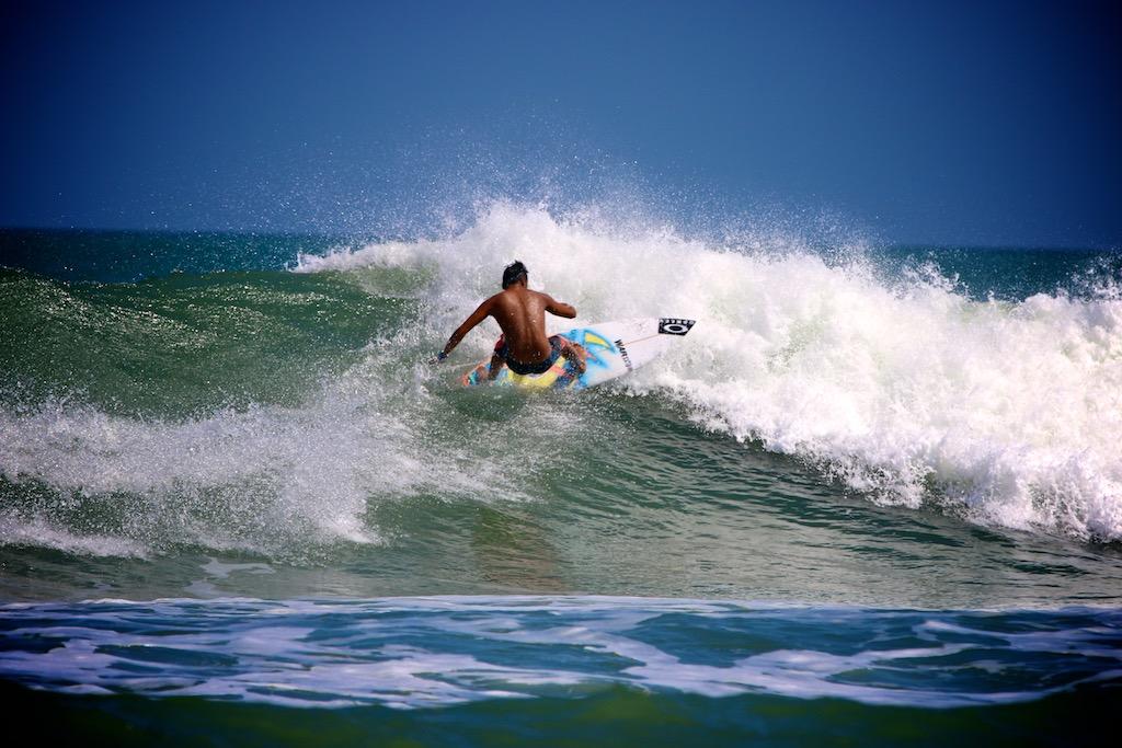 Surfing Bali 12