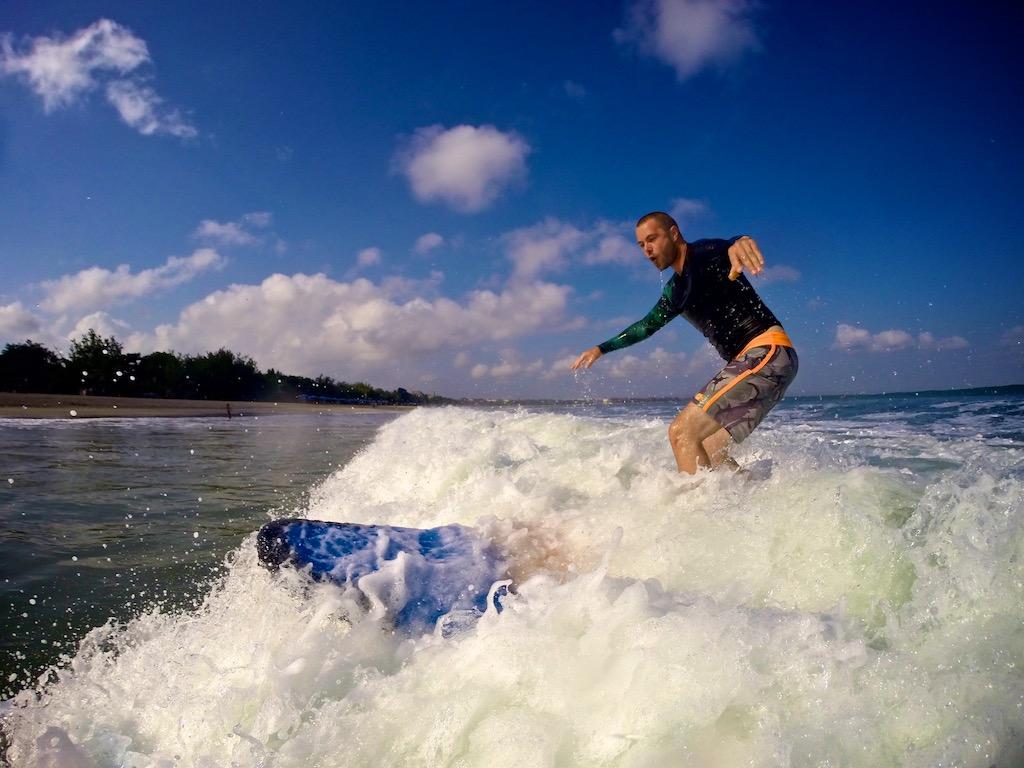 Surfing Kuta 7