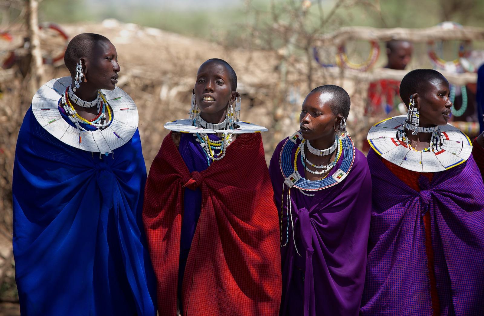 Masai kvinder i landsby ved Ngorongoro